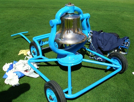 UCLA_Victory_Bell