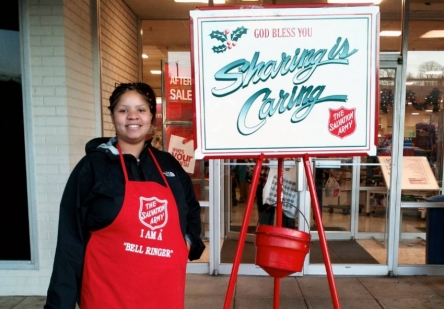jercich_salvation_army_bell_ringing_850_593